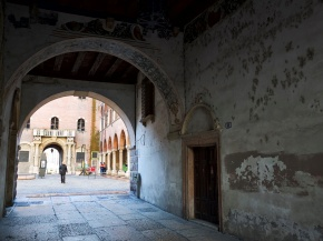 Monumental quarter, Verona