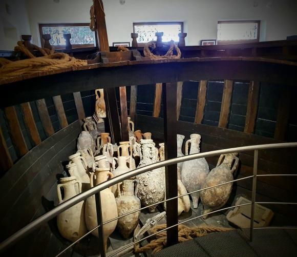 Amphorae, museum, Brindisi
